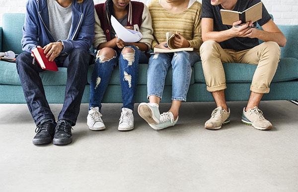 Reading CLub - Yooze - Inglês para crianças e adolescentes